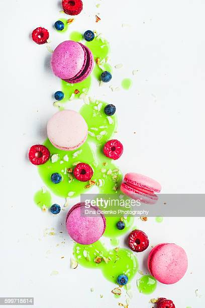 Art of food patterns (with macarons, berries and frosting)