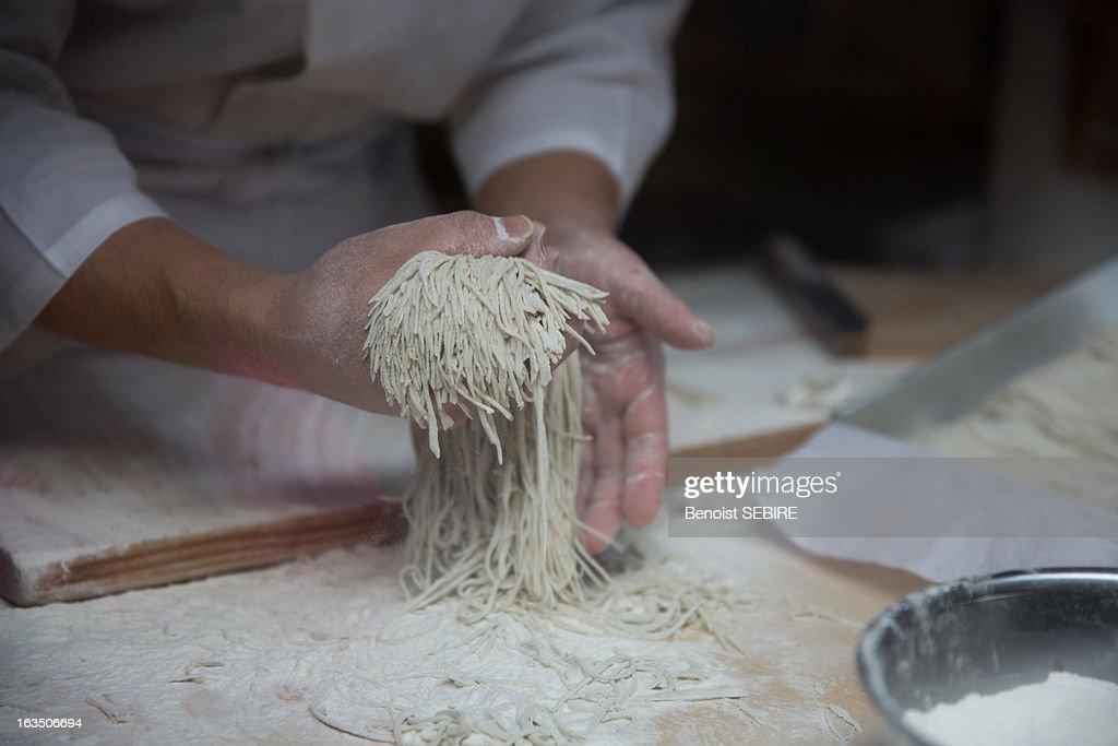 Art of making Soba : ストックフォト