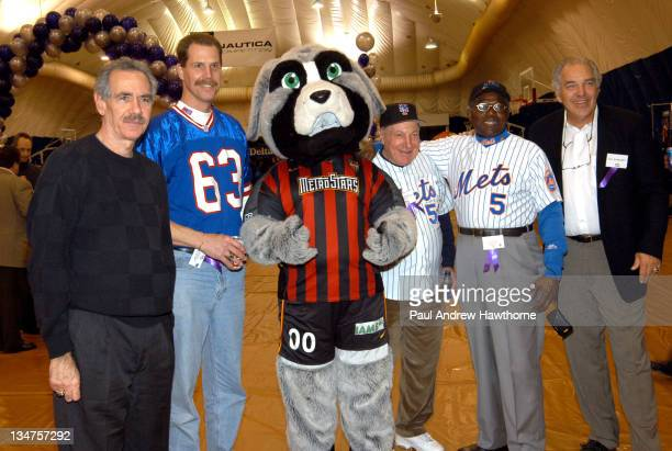 Art Shamsky, New York Mets 1969 World Series Championship team, Karl Nelson, offensive takle on the New York Giants Super Bowl XXI Champs, Metro,...