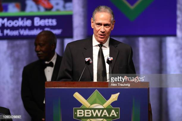 Art Shamsky speaks on behalf of the 1969 Mets winners of the Willie Mickey the Duke Award during the 2019 Baseball Writers' Association of America...