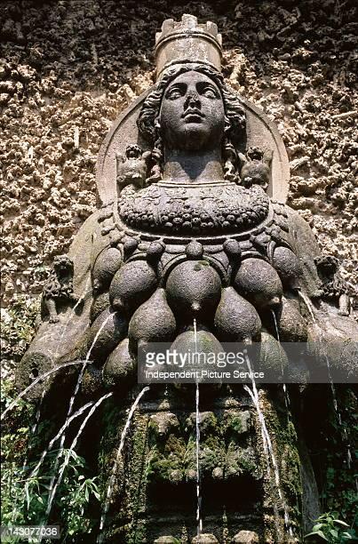 artemis greek god symbol