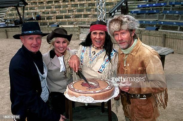 Arthur Brauss, Christine Zierl , Gojko Mitic, Horst Janson , Bad Segeberg, Karl-May-Festspiele, 50-jähriges Jubiläum, ;Hut, Mütze, Stetson, Indianer,...