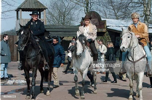"""Arthur Brauss, Christine Zierl , Horst Janson, Pferd, Pferde, """"Karl May-Festspiele"""", Bad;Segeberg, Western-Kostüm, Tier, Hut """"Stetson"""", Cowboy,..."""