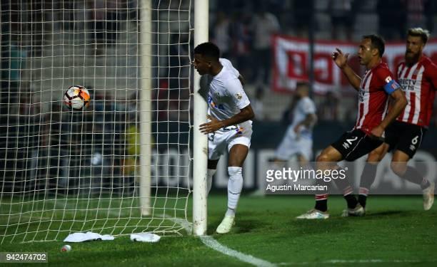 Arthur Gomes of Santos scores the first goal of his team during a match between Estudiantes and Santos as part of Copa CONMEBOL Libertadores 2018 at...