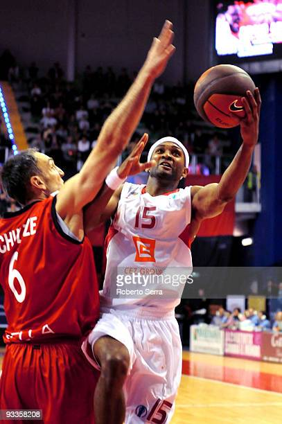 Arthur Lee of CEZ Nymburk and Sven Schultze of Lauretana Biella in action during the Eurocup Basketball Regular Season 20092010 Game Day 1 between...