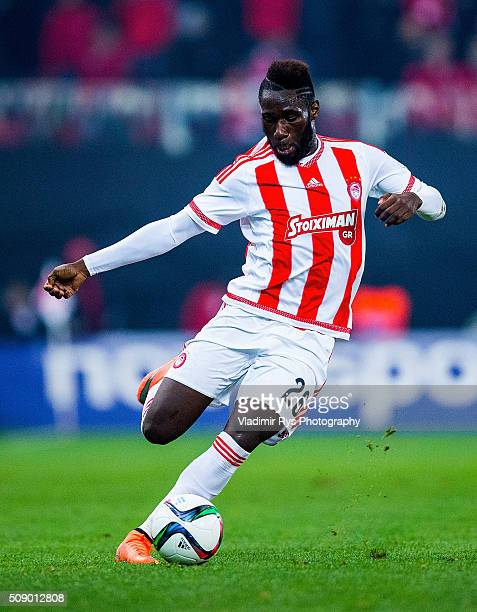 Arthur Masuaku of Olympiacos controls the ball during the Superleague Greece match between Olympiacos Piraeus and PAOK at Karaiskaki stadium on...