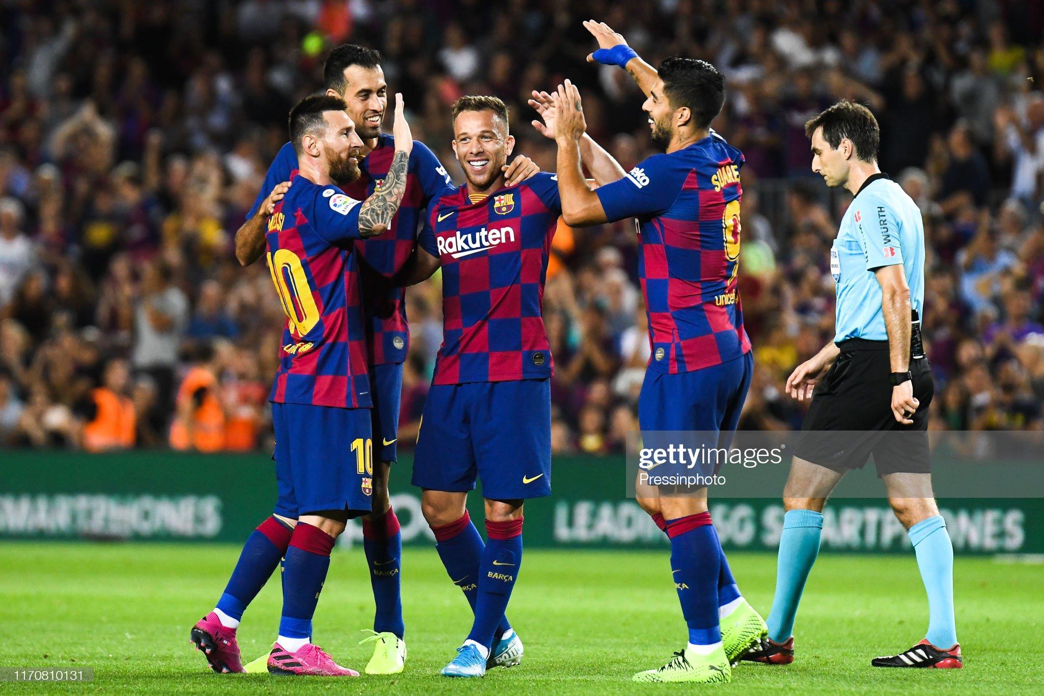 صور مباراة : برشلونة - فياريال 2-1 ( 24-09-2019 )  Arthur-melo-of-fc-barcelona-celebrates-his-goal-with-his-teammates-picture-id1170810131?s=2048x2048