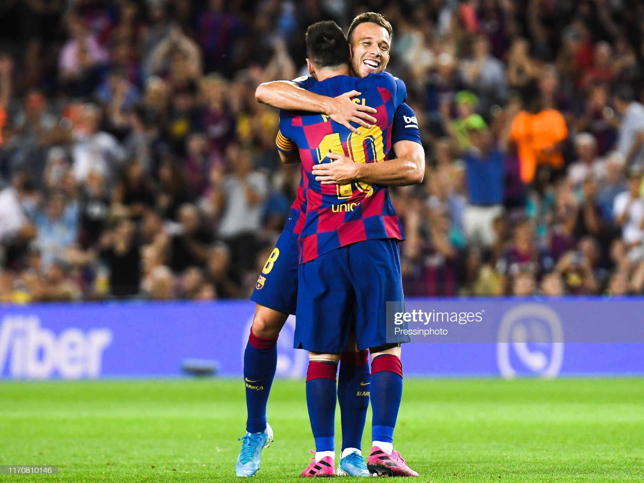 صور مباراة : برشلونة - فياريال 2-1 ( 24-09-2019 )  Arthur-melo-of-fc-barcelona-celebrates-his-goal-with-his-teammates-picture-id1170810146?s=2048x2048