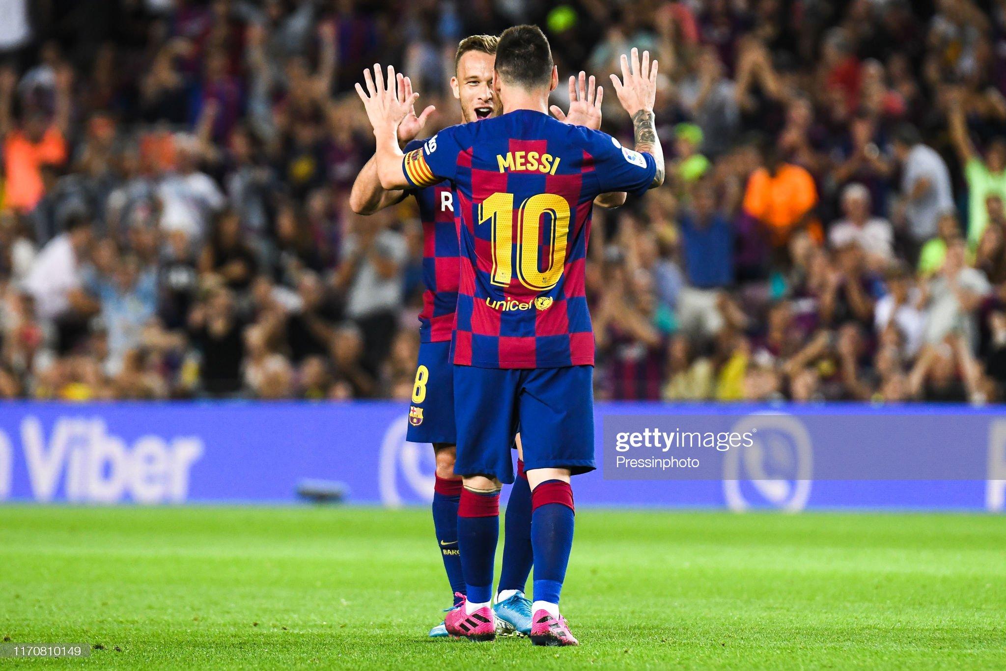 صور مباراة : برشلونة - فياريال 2-1 ( 24-09-2019 )  Arthur-melo-of-fc-barcelona-celebrates-his-goal-with-his-teammates-picture-id1170810149?s=2048x2048