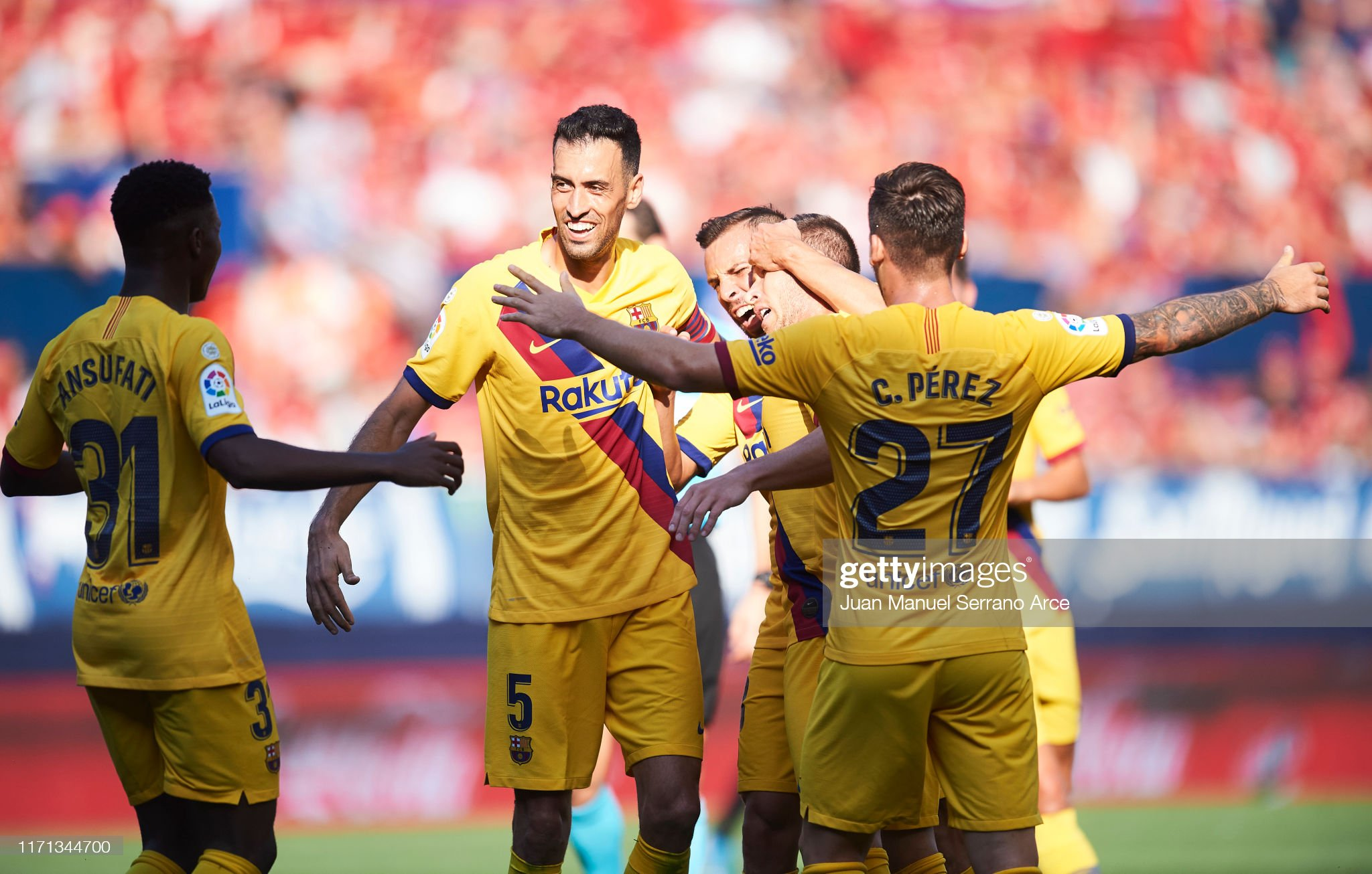 صور مباراة : أوساسونا - برشلونة 2-2 ( 31-08-2019 )  Arthur-melo-of-fc-barcelona-celebrates-with-teammates-after-scoring-picture-id1171344700?s=2048x2048