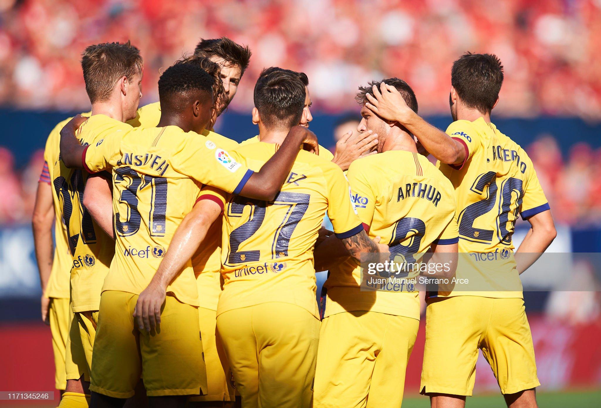 صور مباراة : أوساسونا - برشلونة 2-2 ( 31-08-2019 )  Arthur-melo-of-fc-barcelona-celebrates-with-teammates-after-scoring-picture-id1171345246?s=2048x2048