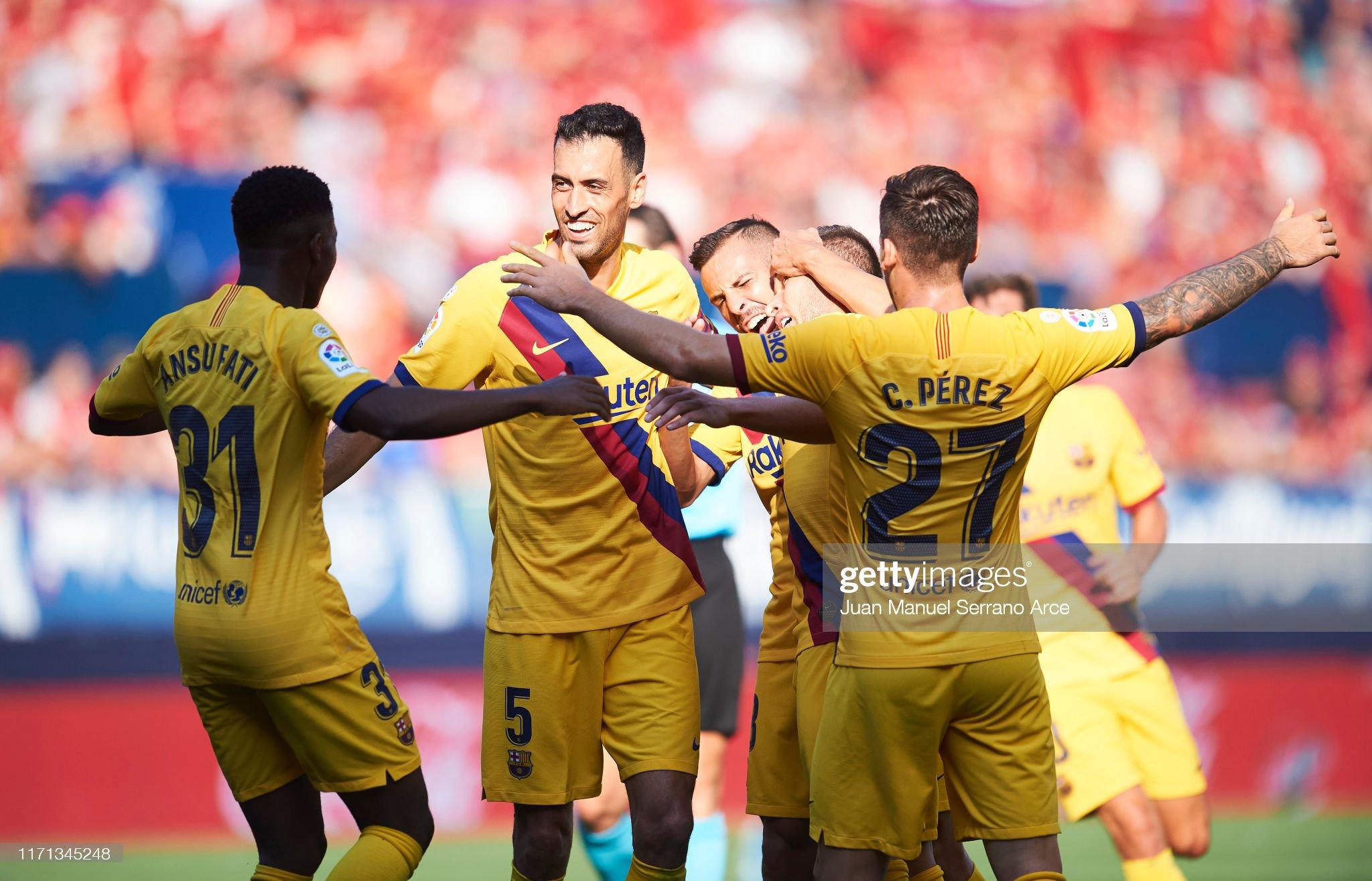صور مباراة : أوساسونا - برشلونة 2-2 ( 31-08-2019 )  Arthur-melo-of-fc-barcelona-celebrates-with-teammates-after-scoring-picture-id1171345248?s=2048x2048