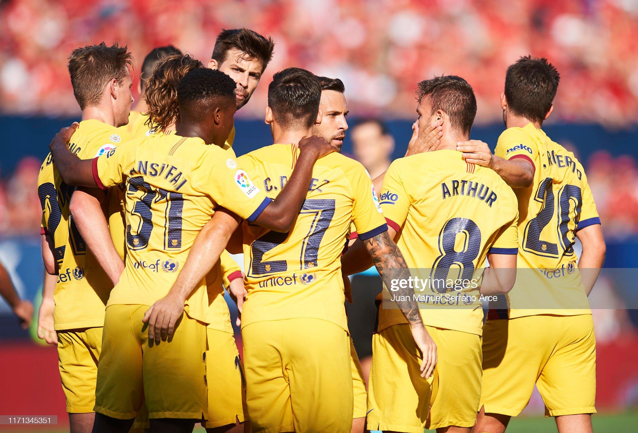 صور مباراة : أوساسونا - برشلونة 2-2 ( 31-08-2019 )  Arthur-melo-of-fc-barcelona-celebrates-with-teammates-after-scoring-picture-id1171345351?s=2048x2048