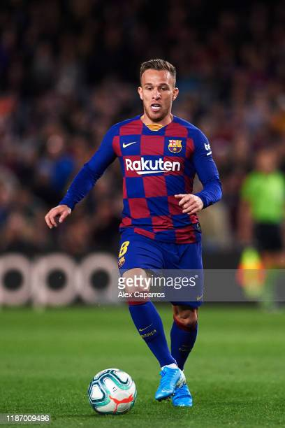 Arthur Melo of FC Barcelona conducts the ball during the La Liga match between FC Barcelona and RC Celta de Vigo at Camp Nou stadium on November 09...