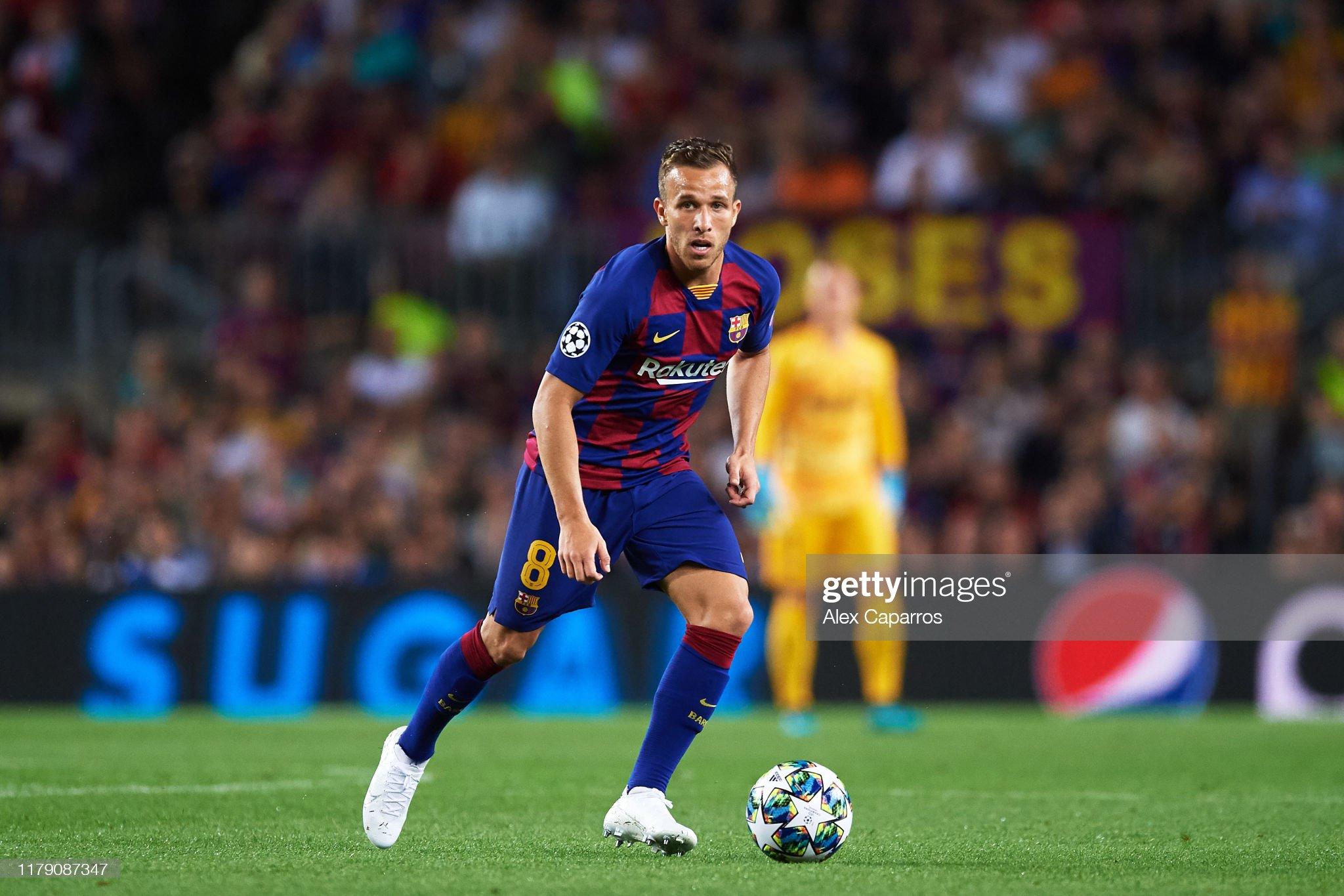 صور مباراة : برشلونة - إنتر 2-1 ( 02-10-2019 )  Arthur-melo-of-fc-barcelona-conducts-the-ball-during-the-uefa-league-picture-id1179087347?s=2048x2048