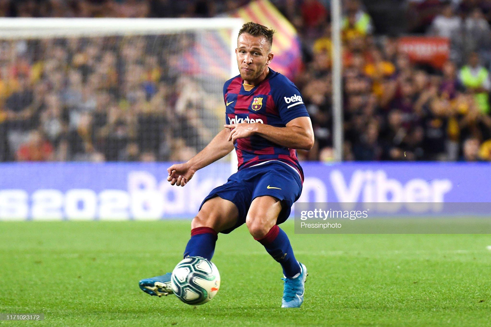صور مباراة : برشلونة - فياريال 2-1 ( 24-09-2019 )  Arthur-melo-of-fc-barcelona-during-the-liga-match-between-barcelona-picture-id1171023172?s=2048x2048