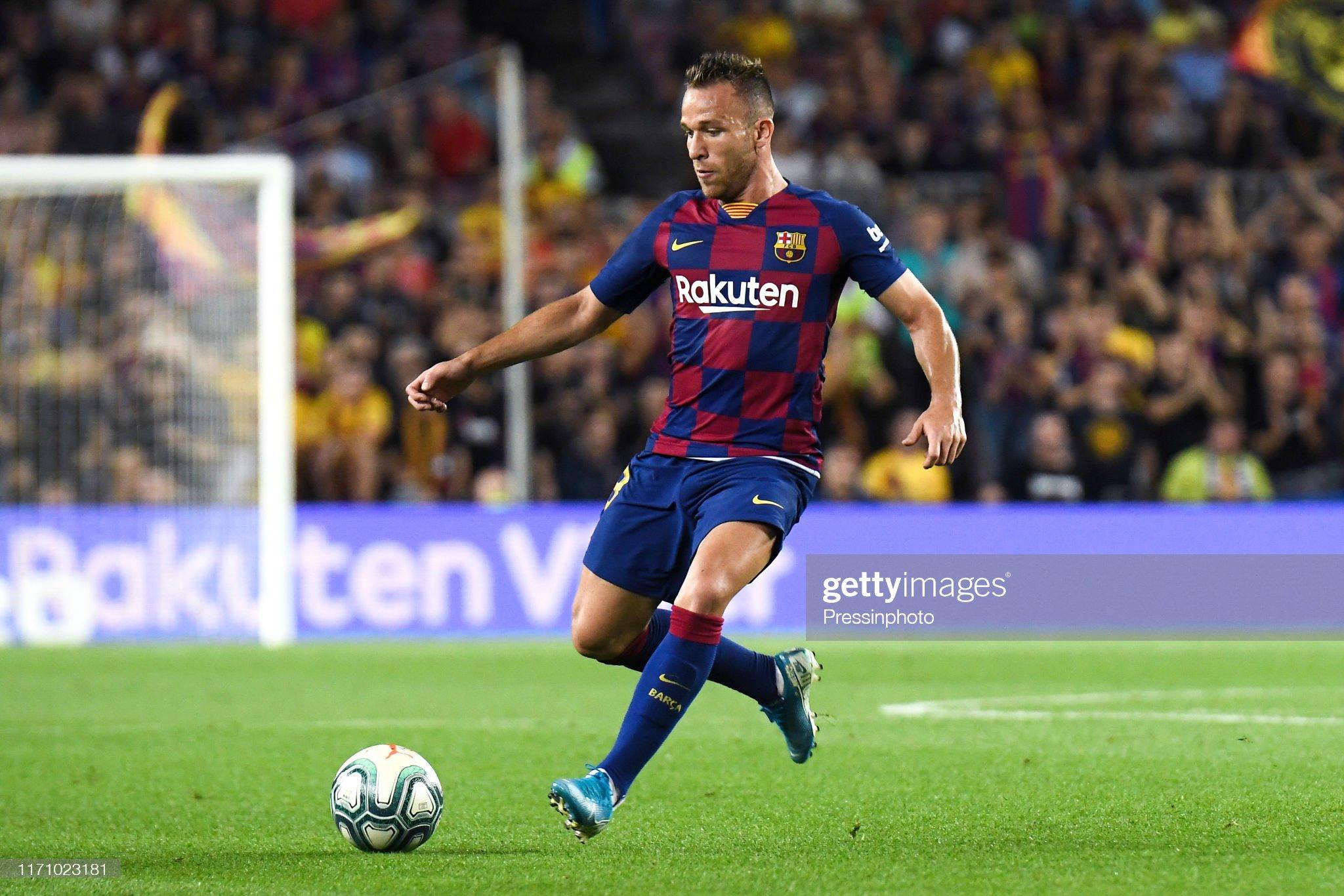 صور مباراة : برشلونة - فياريال 2-1 ( 24-09-2019 )  Arthur-melo-of-fc-barcelona-during-the-liga-match-between-barcelona-picture-id1171023181?s=2048x2048