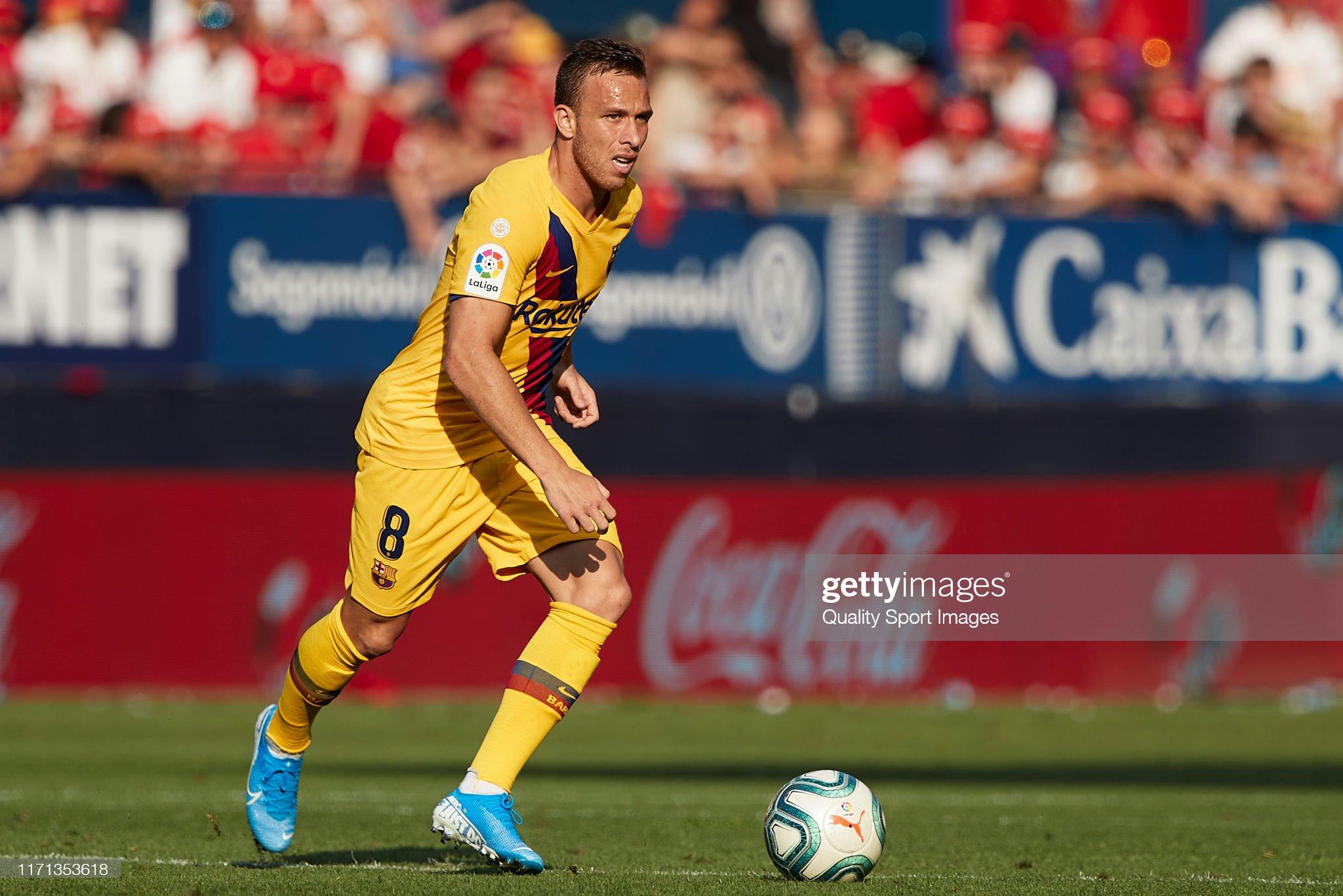 صور مباراة : أوساسونا - برشلونة 2-2 ( 31-08-2019 )  Arthur-melo-of-fc-barcelona-in-action-during-the-liga-match-between-picture-id1171353618?s=2048x2048