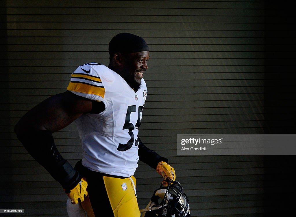 Arthur Moats #55 of the Pittsburgh Steelers leaves to tunnel before the game against the Philadelphia Eagles at Lincoln Financial Field on September 25, 2016 in Philadelphia, Pennsylvania.