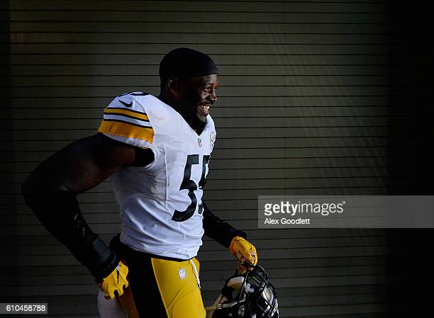 Arthur Moats of the Pittsburgh Steelers leaves to tunnel before the game against the Philadelphia Eagles at Lincoln Financial Field on September 25,...
