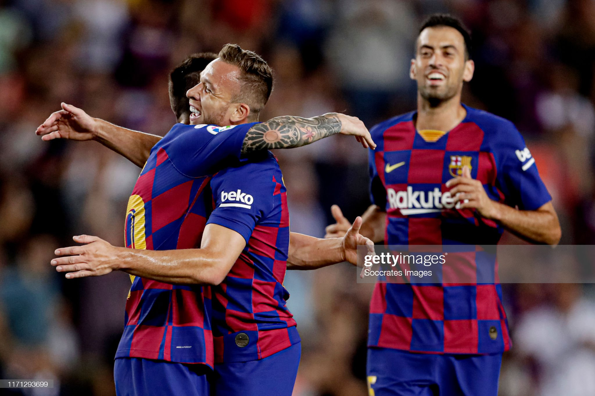 صور مباراة : برشلونة - فياريال 2-1 ( 24-09-2019 )  Arthur-of-fc-barcelona-celebrates-20-with-lionel-messi-of-fc-sergio-picture-id1171293699?s=2048x2048