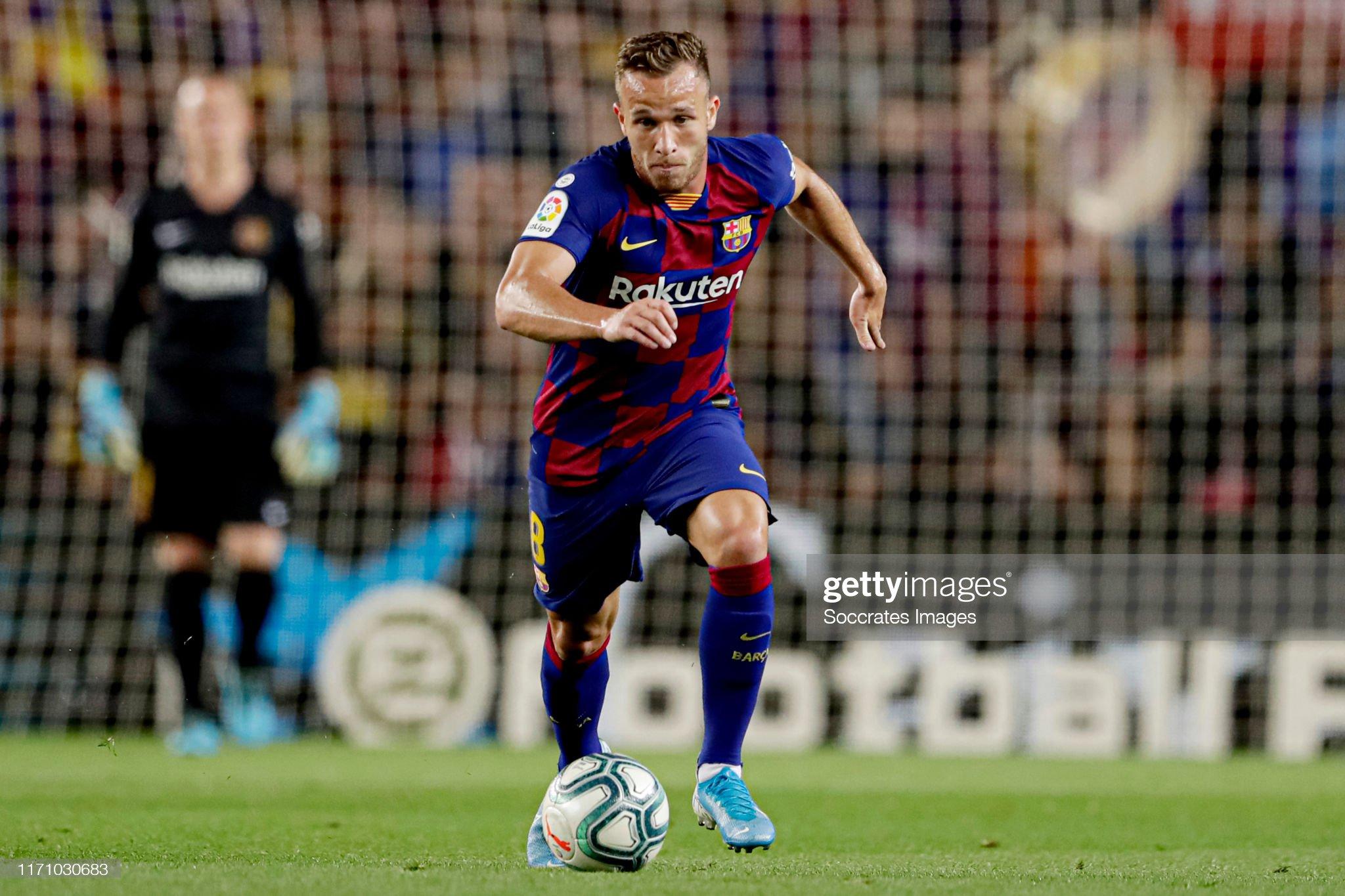 صور مباراة : برشلونة - فياريال 2-1 ( 24-09-2019 )  Arthur-of-fc-barcelona-during-the-la-liga-santander-match-between-fc-picture-id1171030683?s=2048x2048