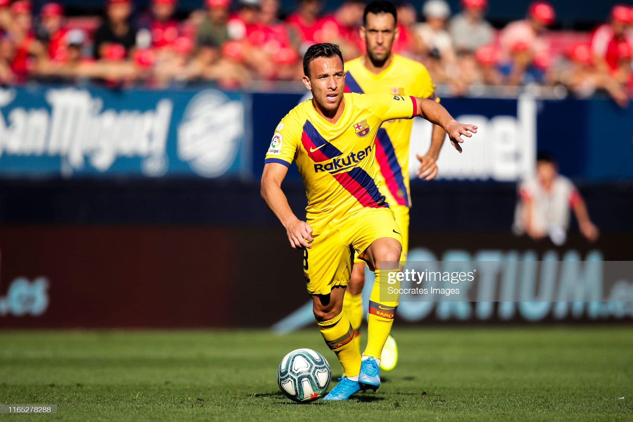 صور مباراة : أوساسونا - برشلونة 2-2 ( 31-08-2019 )  Arthur-of-fc-barcelona-during-the-la-liga-santander-match-between-v-picture-id1165278288?s=2048x2048