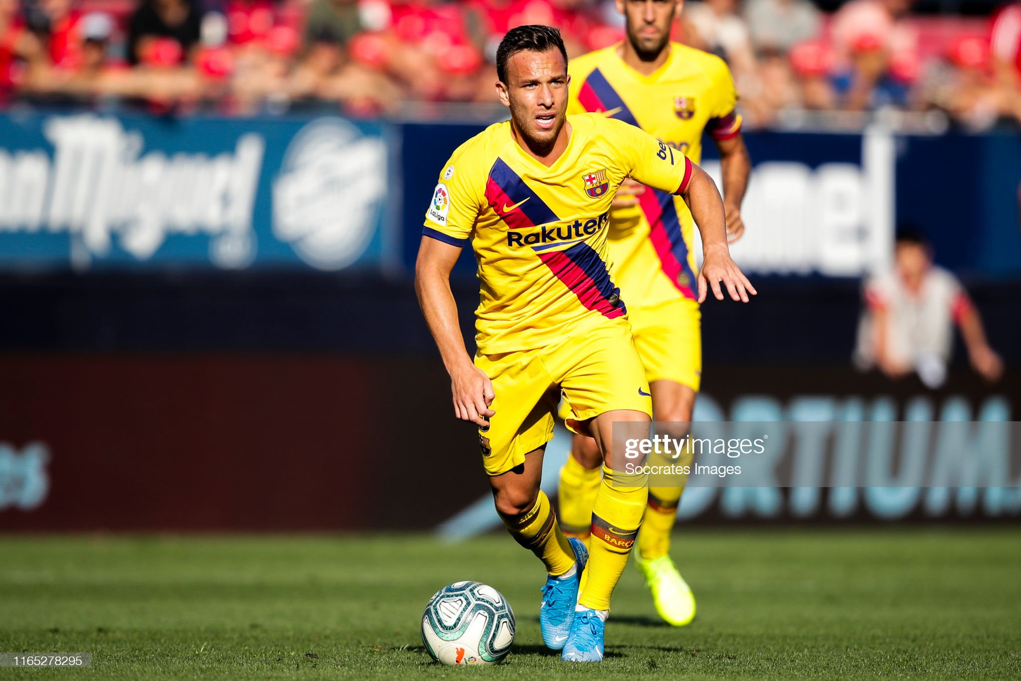 صور مباراة : أوساسونا - برشلونة 2-2 ( 31-08-2019 )  Arthur-of-fc-barcelona-during-the-la-liga-santander-match-between-v-picture-id1165278295?s=2048x2048
