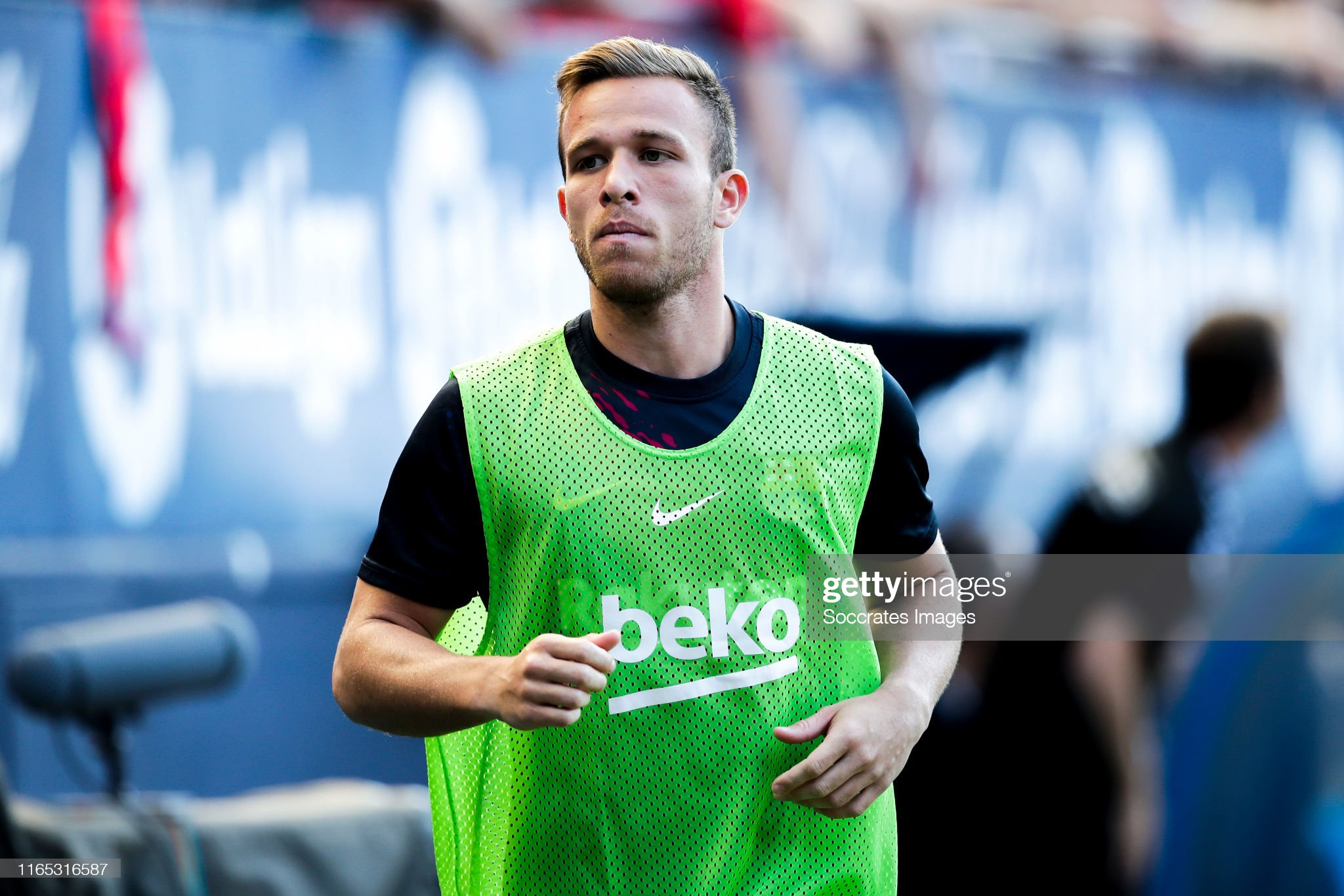 صور مباراة : أوساسونا - برشلونة 2-2 ( 31-08-2019 )  Arthur-of-fc-barcelona-during-the-la-liga-santander-match-between-v-picture-id1165316587?s=2048x2048