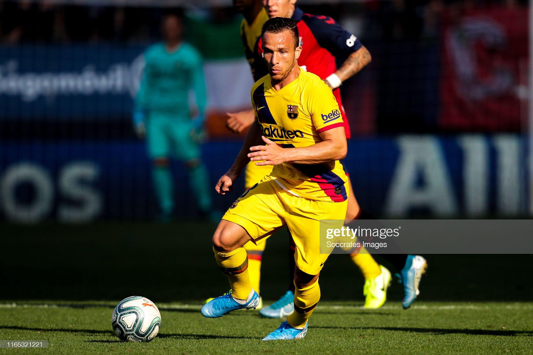 صور مباراة : أوساسونا - برشلونة 2-2 ( 31-08-2019 )  Arthur-of-fc-barcelona-during-the-la-liga-santander-match-between-v-picture-id1165321221?s=2048x2048