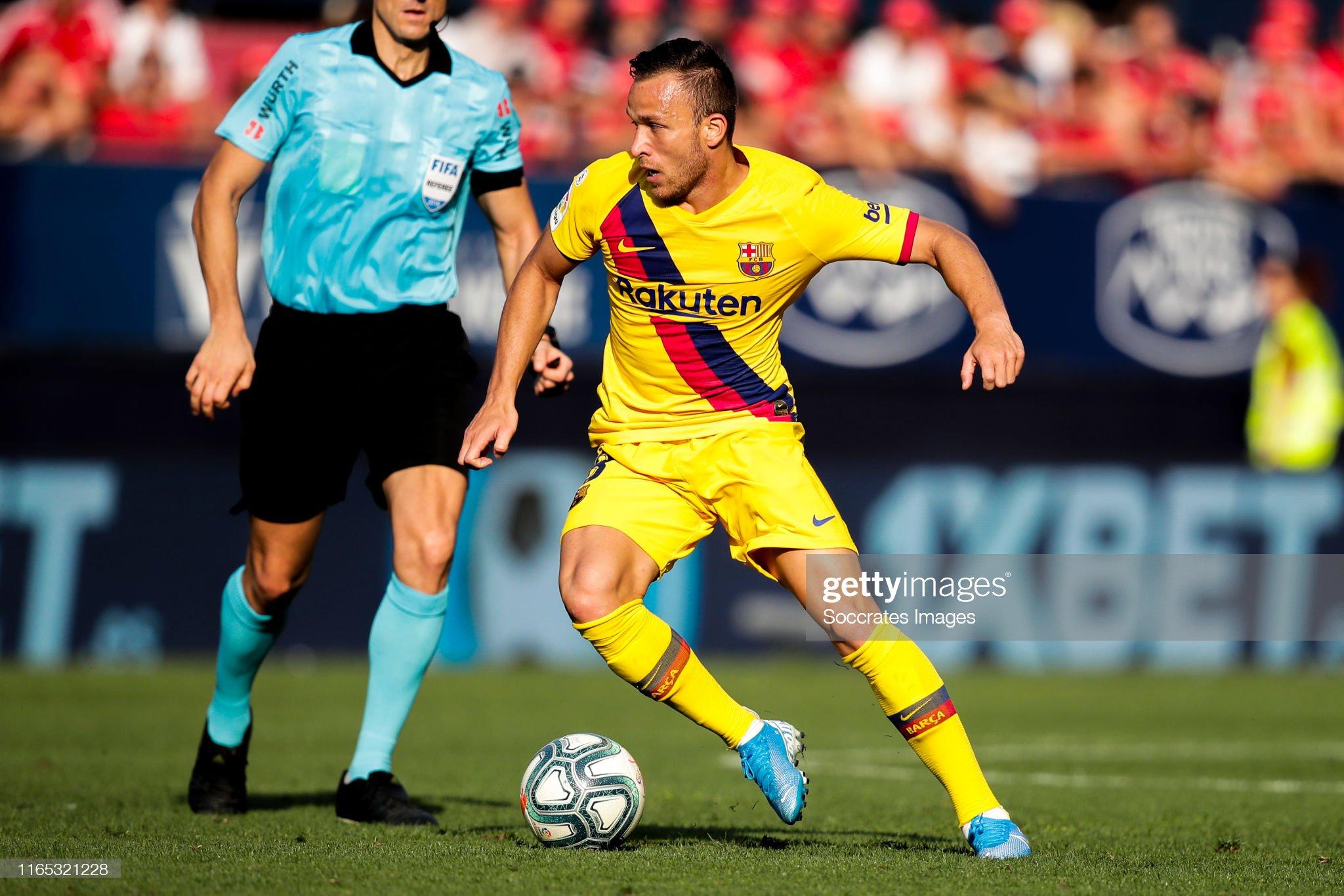 صور مباراة : أوساسونا - برشلونة 2-2 ( 31-08-2019 )  Arthur-of-fc-barcelona-during-the-la-liga-santander-match-between-v-picture-id1165321228?s=2048x2048