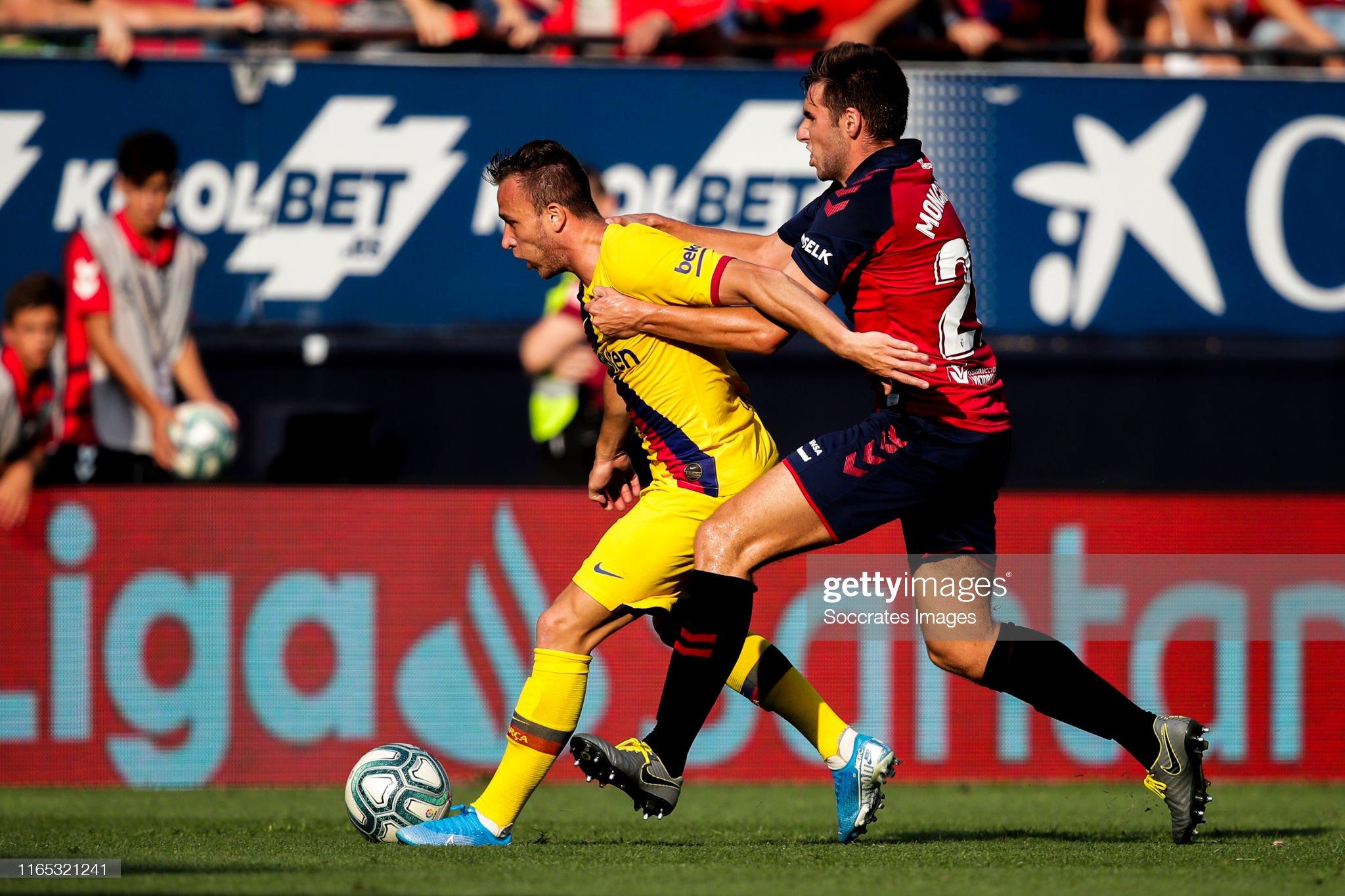 صور مباراة : أوساسونا - برشلونة 2-2 ( 31-08-2019 )  Arthur-of-fc-barcelona-nacho-vidal-of-ca-osasuna-during-the-la-liga-picture-id1165321241?s=2048x2048