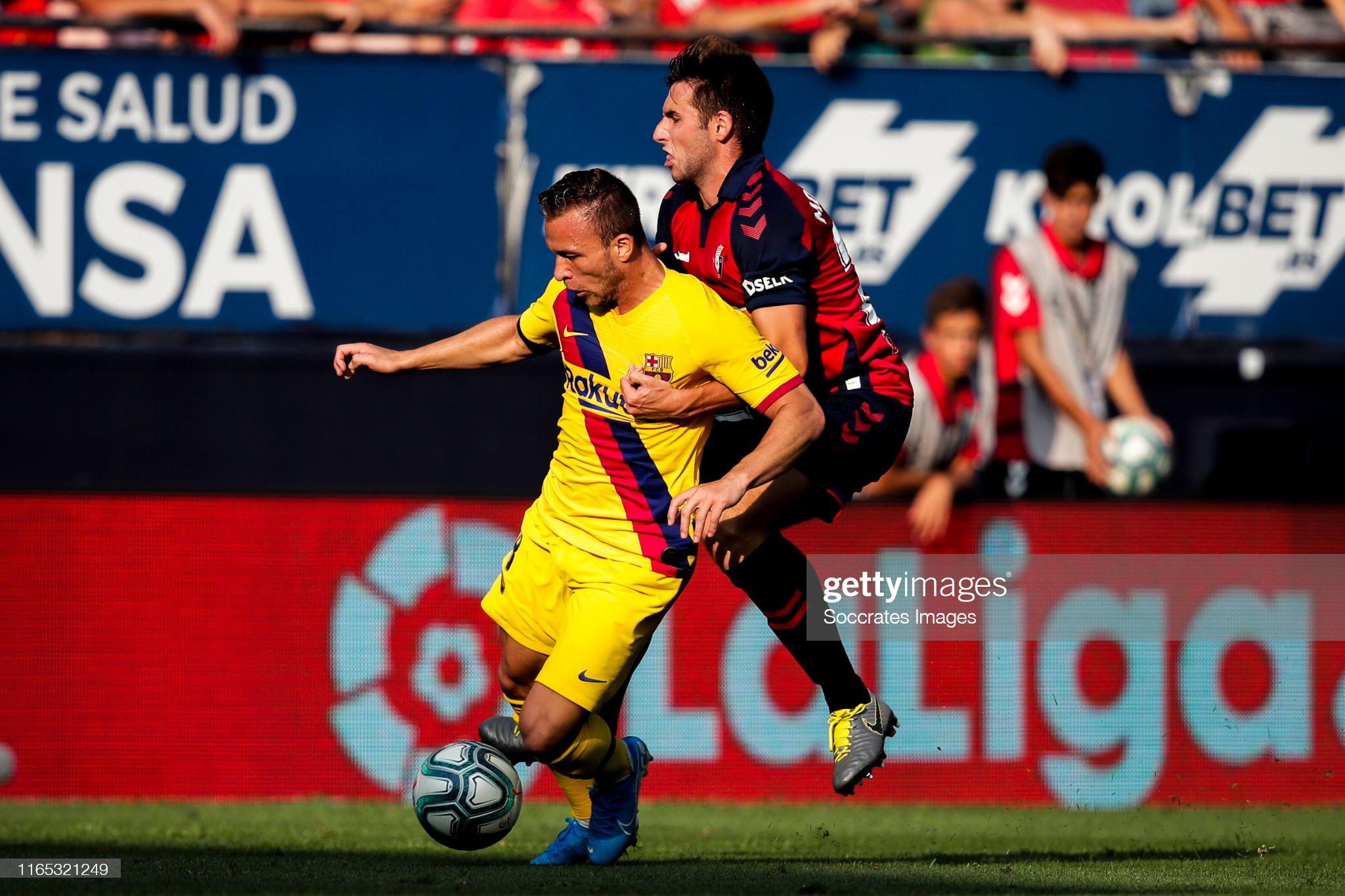 صور مباراة : أوساسونا - برشلونة 2-2 ( 31-08-2019 )  Arthur-of-fc-barcelona-nacho-vidal-of-ca-osasuna-during-the-la-liga-picture-id1165321249?s=2048x2048