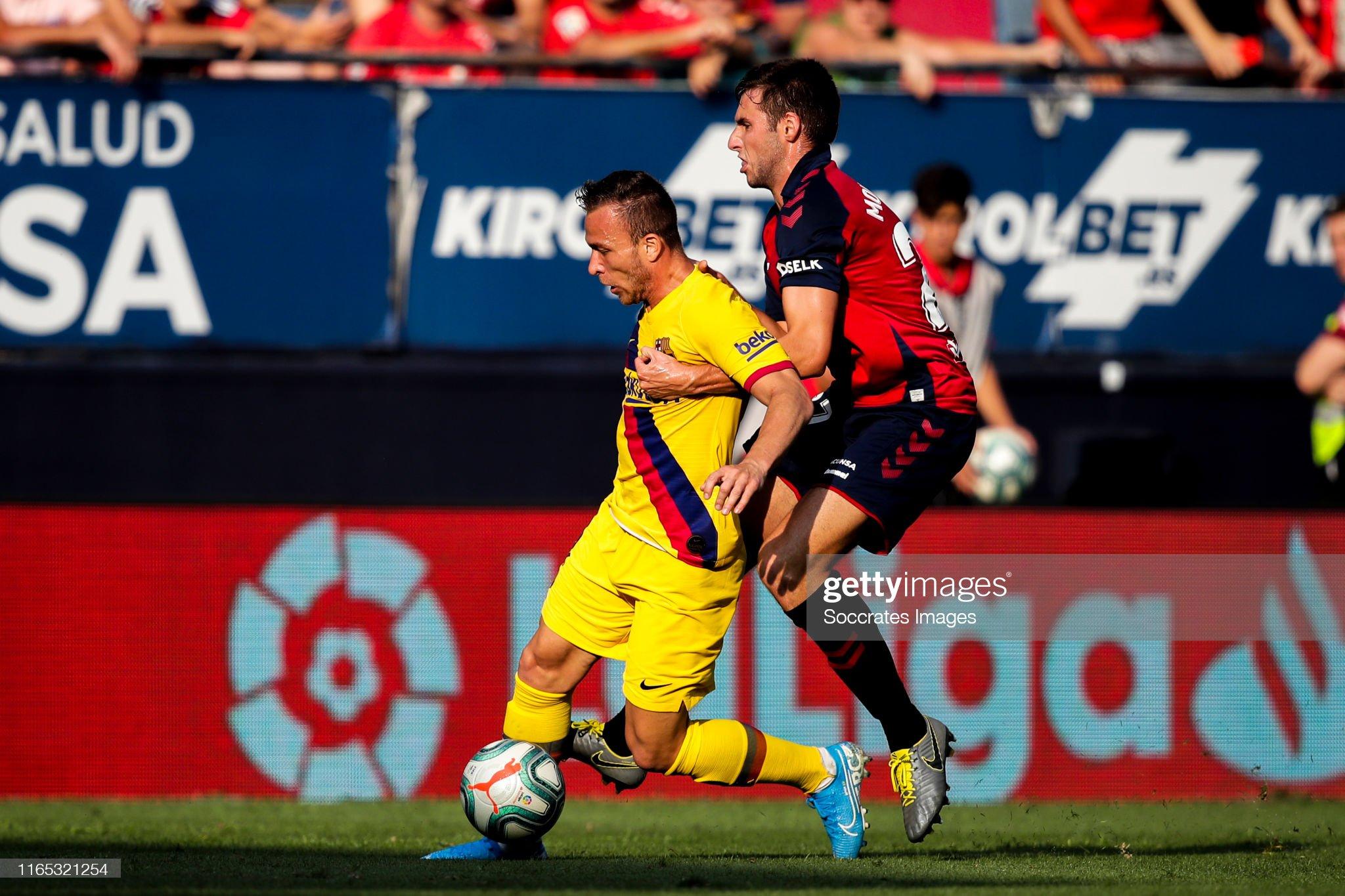صور مباراة : أوساسونا - برشلونة 2-2 ( 31-08-2019 )  Arthur-of-fc-barcelona-nacho-vidal-of-ca-osasuna-during-the-la-liga-picture-id1165321254?s=2048x2048