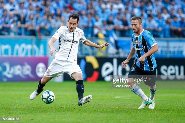 Arthur of Gremio battles for the ball against Rodriguinho of Corinthians during the match Gremio v Corinthians as part of Brasileirao Series A 2017...