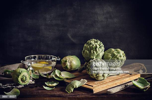 artichokes - carciofo foto e immagini stock