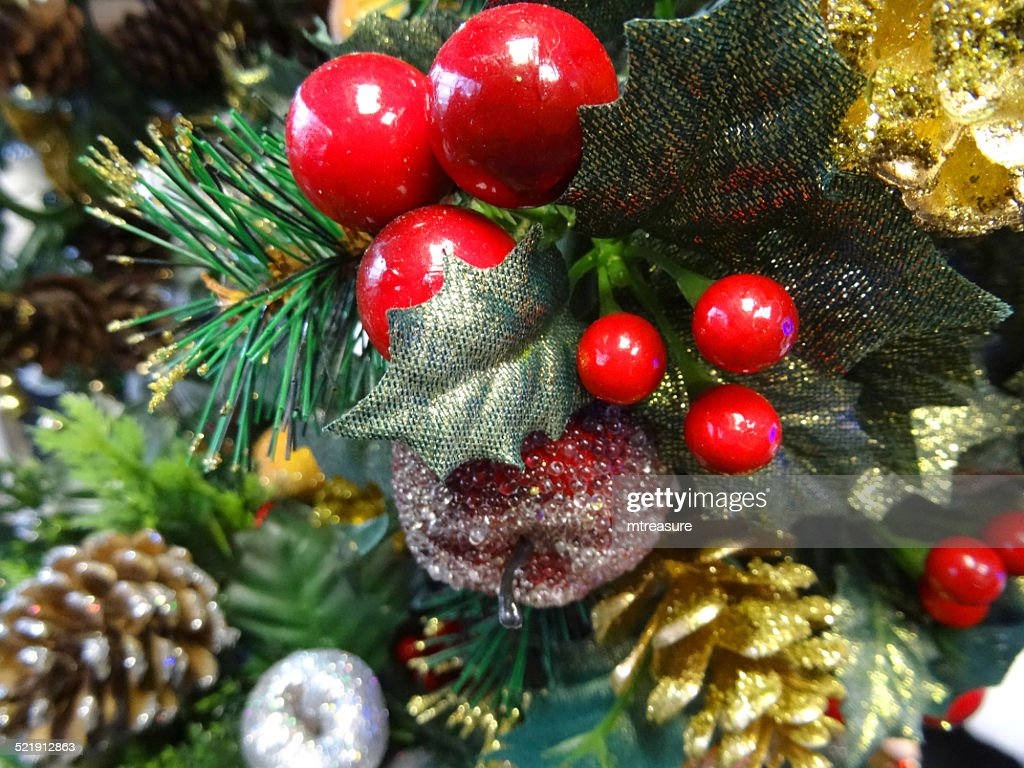 Artificial Christmas Tree Decorations Gold Pine Cones