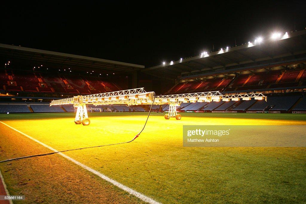 Soccer - FA Cup Round Three - Aston Villa vs. Manchester United : News Photo