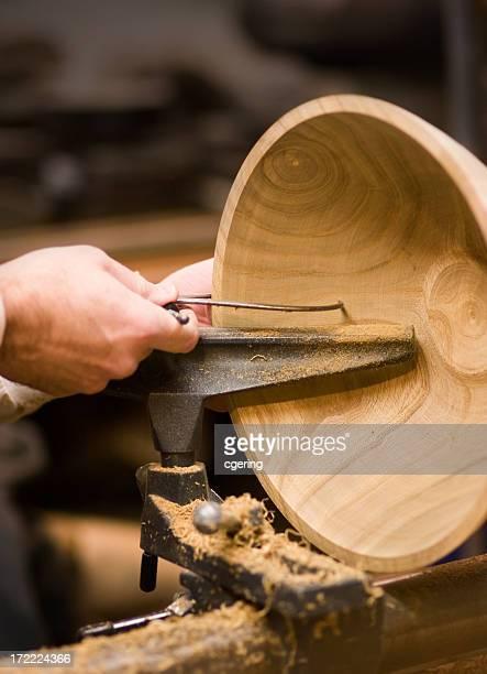 artesanos - cuenco madera fotografías e imágenes de stock
