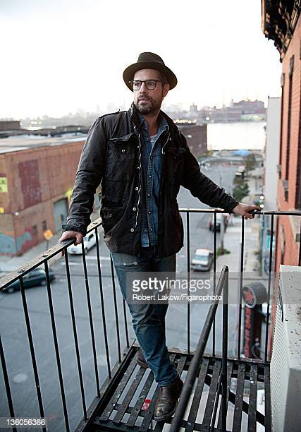 Artist Aaron Young is photographed for Madame Figaro on October 26 2011 in New York City Figaro ID 102573019 CREDIT MUST READ Robert...