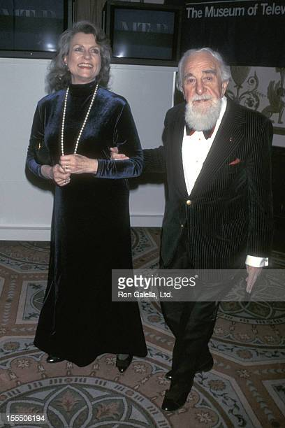 Artist Al Hirschfeld and wife Louise Kerz attend Museum of Television and Radio Gala Dinner on February 5 1998 at the Waldorf Astoria Hotel in New...