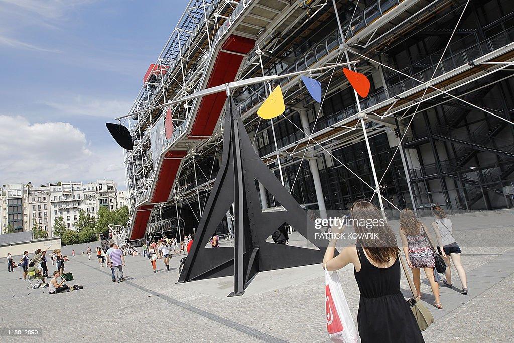 US artist Alexander Calder 1974's mobile : News Photo