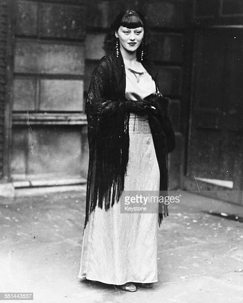 Artist and model Isabel Rawsthorne arriving for a private viewing of the Royal Academy Summer Show at Burlington House London April 28th 1933