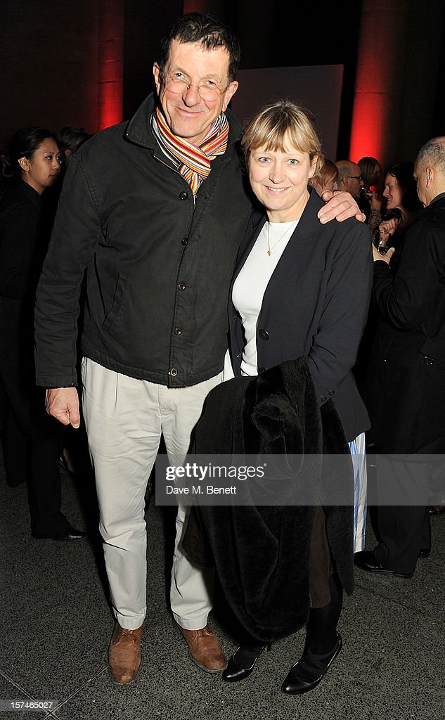 Artist Antony Gormley (L) and Vicken Parsons attend the Turner Prize 2012 winner announcement at the Tate Britain on December 3, 2012 in London, England.