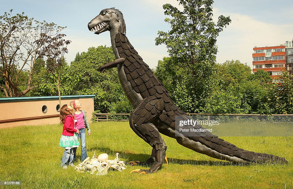 Recycled Sculpture Show Opens At London Zoo : News Photo