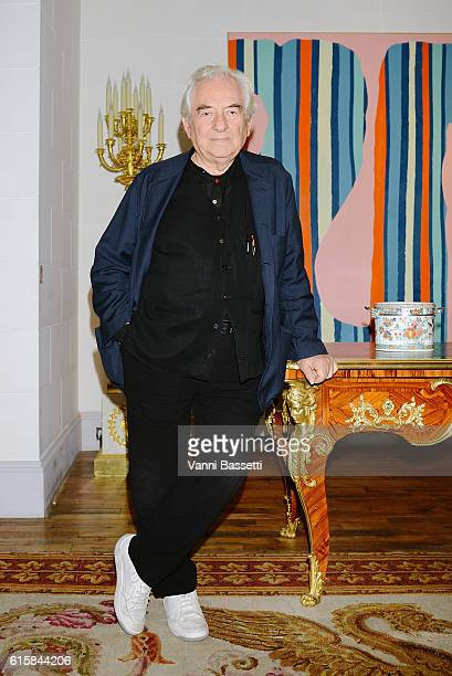 Artist Daniel Buren poses before the opening of the exhibition Le Grand Losange travail in situ at the Aveline gallery on October 20 2016 in Paris...