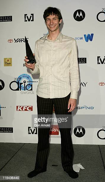 Artist Gotye poses with his award for Best Male Artist at the 2007 ARIA Awards at Acer Arena on October 28, 2007 in Sydney, Australia. The 21st...