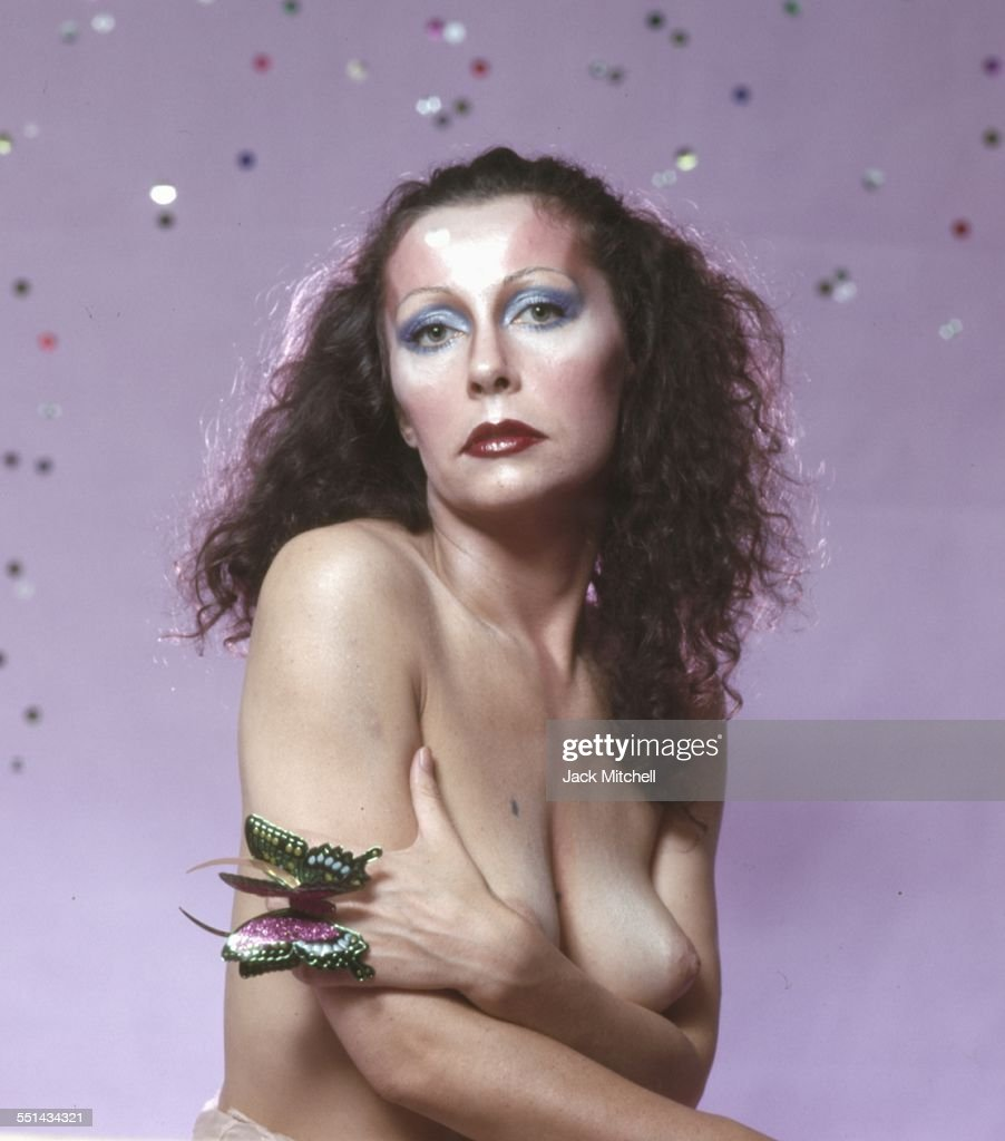 Warhol Superstar Ultra Violet : News Photo