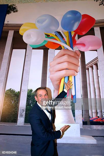 Artist Jeff Koons attends the Press conference announcing a donation by artist Jeff Koons who offers the 'Bouquet of Tulips' to the City of Paris The...