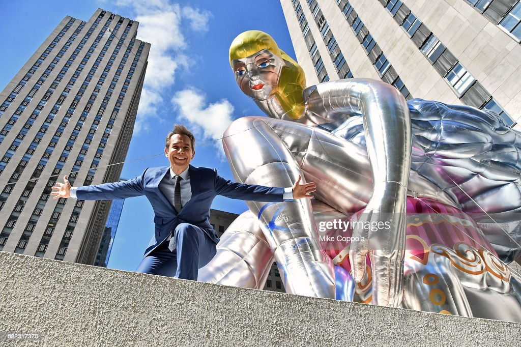 Jeff Koons Unveils Seated Ballerina Inflatable Sculpture : News Photo